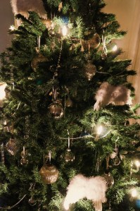 Larger view of the tree.